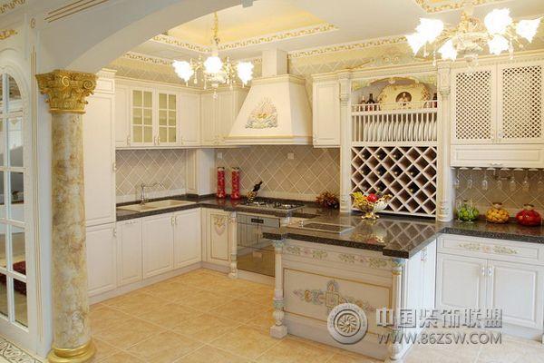 15万打造欧式奢华雅居 厨房装修图片