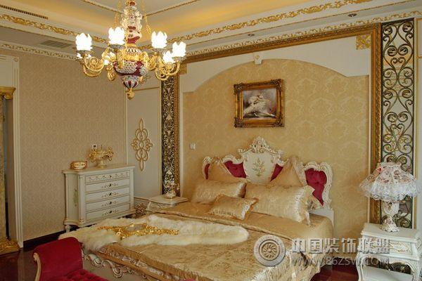 15万打造欧式奢华雅居 卧室装修图片