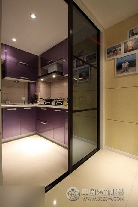 10万装92平米精致时尚两居 厨房装修图片