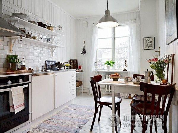欧式厨房吊顶效果图37幅 复式楼北欧风格厨房橱柜装修效果图