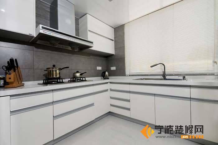 160平复式新古典低调奢华居 厨房装修效果图