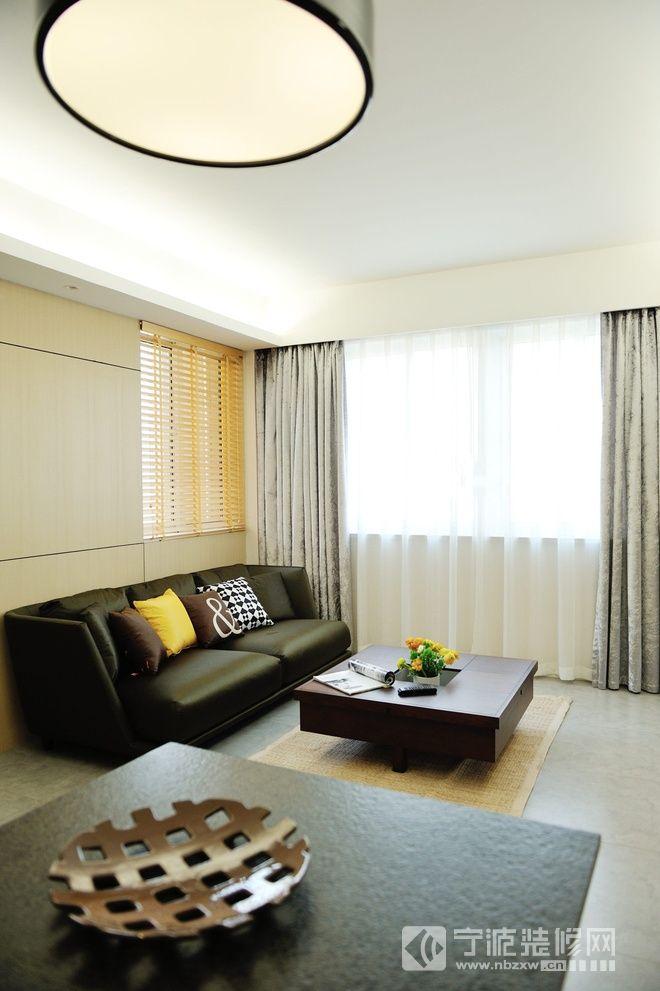 80平米简约风两居 客厅装修图片