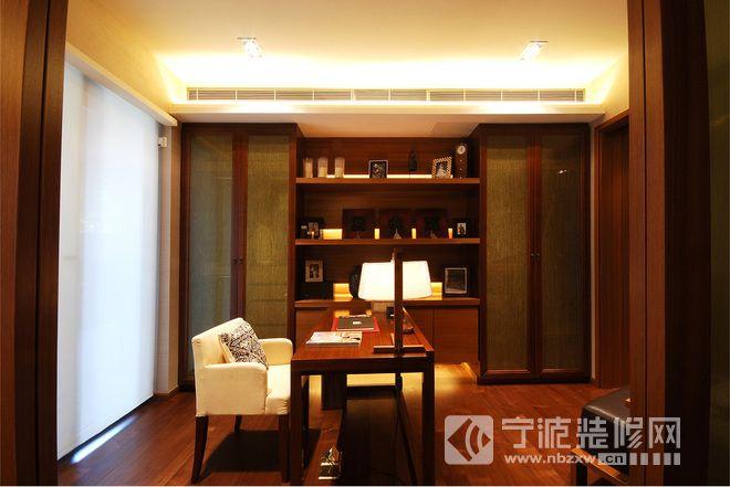 中式风格四居装修实景效果图 书房装修图片高清图片
