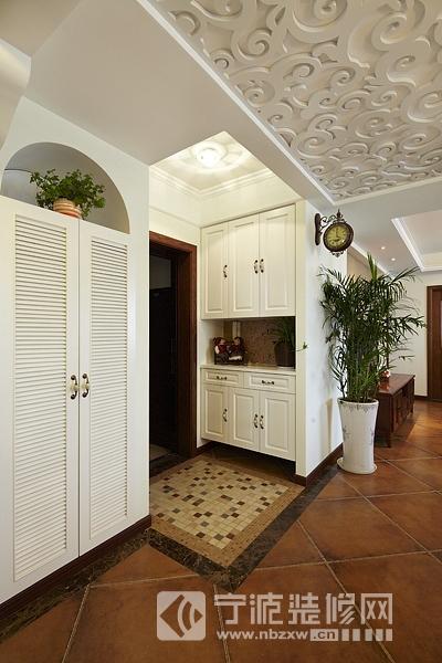 123平三室两厅美式乡村雅居欣赏 过道装修图片