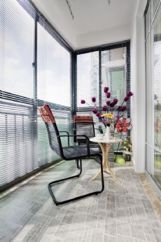 现代风阳台装修图片