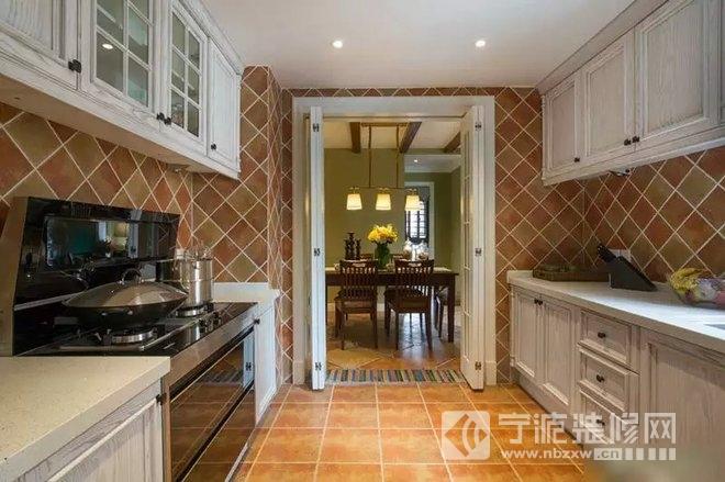 89平老房改造变身清新淡雅美式家 厨房装修效果图 -89平老房改造变