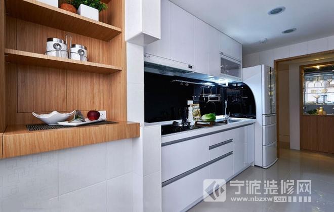 94平三室两厅 现代简约风格老房改造 厨房装修效果图