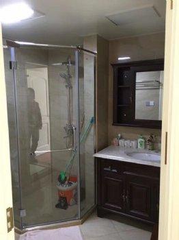 罗蒙环球城135平美式美式卫生间