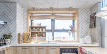 拥阳光与猫,享岁月静好现代厨房