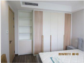 金邑水岸现代卧室