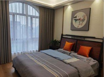 238平大户型实图混搭卧室