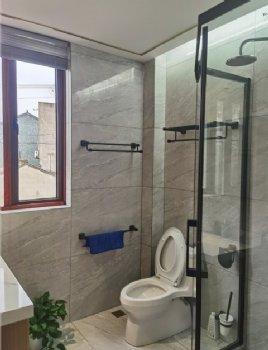 238平大户型实图混搭卫生间