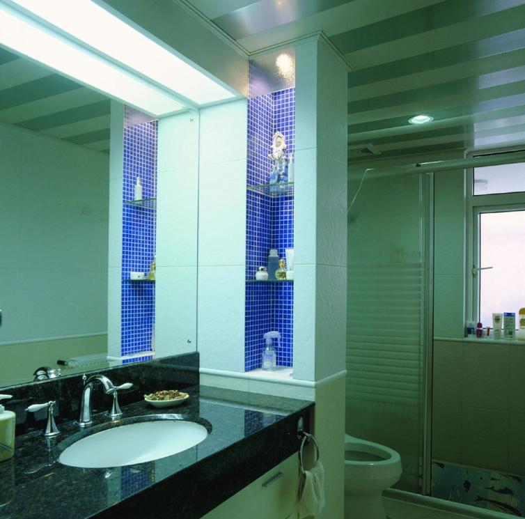 卫生间拉门效果图 卫生间花洒效果图 卫生间毛巾架位置